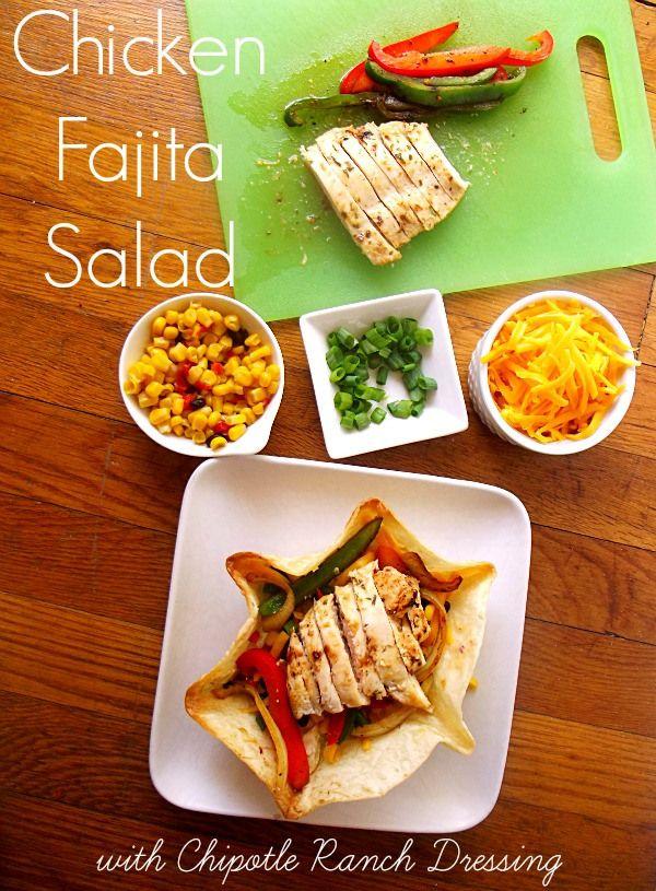 Chicken Fajita Salad #shop http://www.lifewiththecrustcutoff.com/easy-chicken-recipes/
