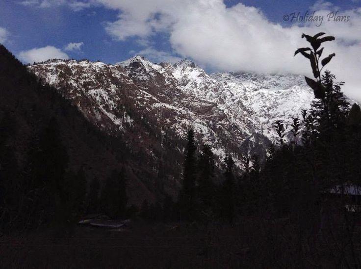 http://planning4holidays.blogspot.in/2015/01/kasol-mini-israel-of-india.html .. Snow Peaks and The Himalayas .. #scenic #valley #parvati #river #untouched #hills #mini #israel #bank #low #population #Himalaya #Sarpass #yanker #pass #Kheerganga #Kasol #Himachal #Pradesh #India #HolidayPlans #snow #peaks