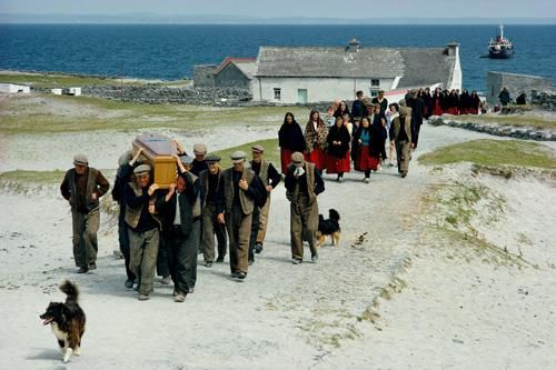 "The origin of the ""Irish Wake"" as we know it - The history and tradition of ""Waking the dead"""