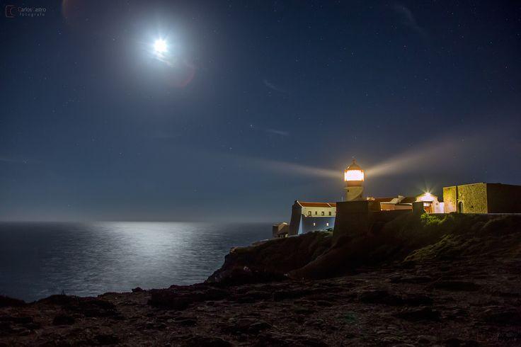 Imagen nocturna del Faro de San Vicente (Portugal)  ---  Night photo of St. Vincent's Lighthouse (Portugal)