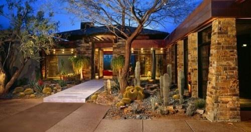 modern landscape by Douglas Fredrikson Architects. PHX, AZ
