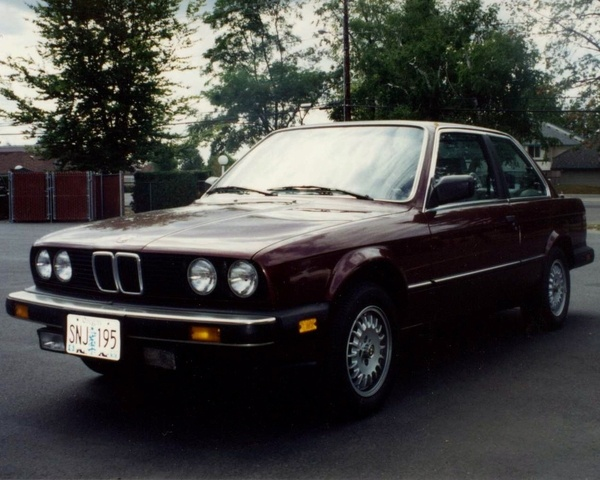 1984 BMW 325e in Burgundy