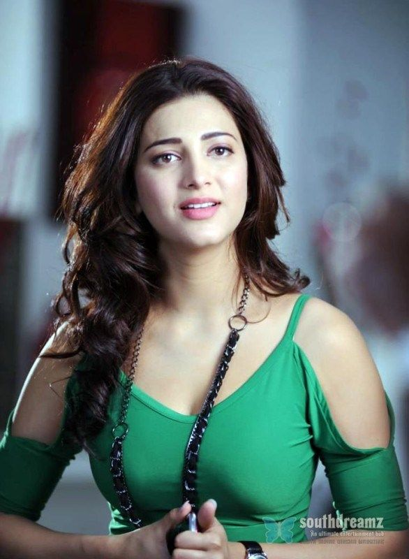 Best Images of Shruti Hassan Hot Wallpapers HD Pics Gallery