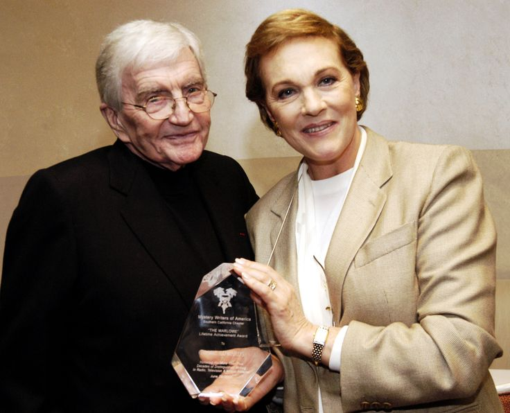 """Julie Andrews Reveals She's Still """"Dealing"""" with the Death of her Husband of 41 Years, Blake Edwards"""
