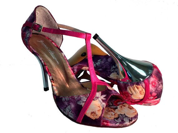 Beautiful tango shoes, hand made in New York.