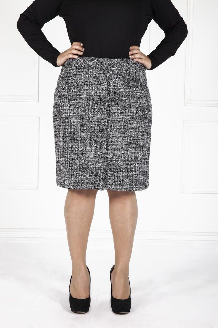 Les poupounes de luxe - Jupe tweed Classique disponible en taille 00 et 0 - prix régulier 325,00$
