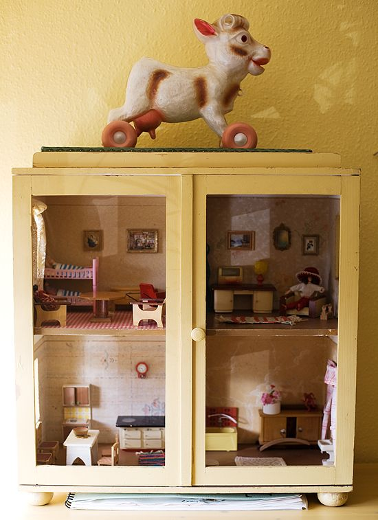 doll house in a cabinet: Dolls Houses, Kids Room, Dollshouse, Dollhouse Ideas, Dollhouses, Doll Houses, Miniature
