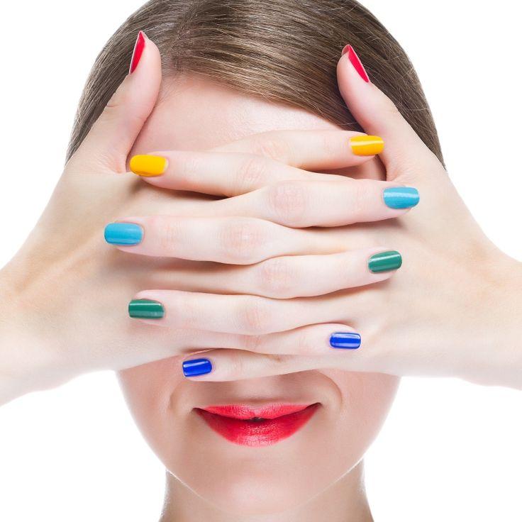 7 συνήθειες μια γυναίκας, με καταπληκτικά νύχια.