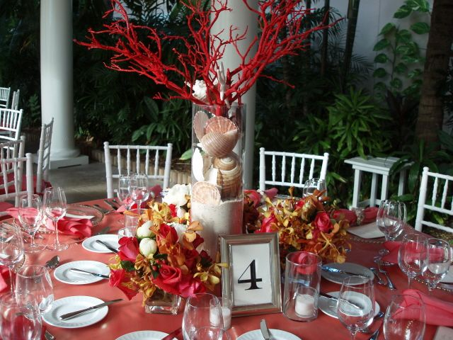 Coral Table Decor #SephoraColorWash- nice centerpiece!