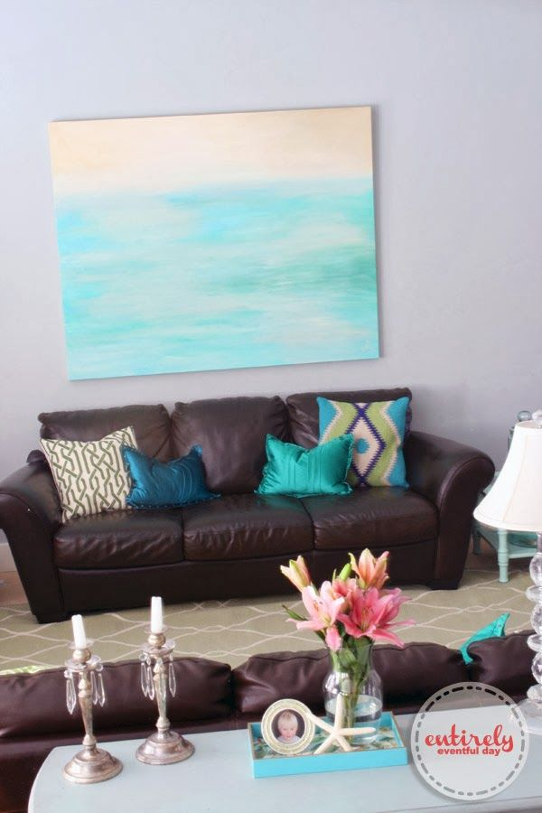 living room in blue%0A how to add color to your room    love that blue