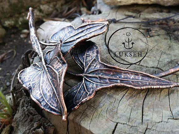 Guarda questo articolo nel mio negozio Etsy https://www.etsy.com/it/listing/522591983/collana-rame-anticato-vere-foglie