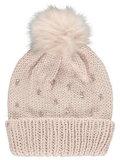 Add some pretty embellishments into frosty days with this chunky knitted bobble hat. Created in a nude hue with a faux-fur pom-pom, it's a glamorous way to t...