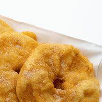 Découvrez la recette Beignets d'ananas sur cuisineactuelle.fr.