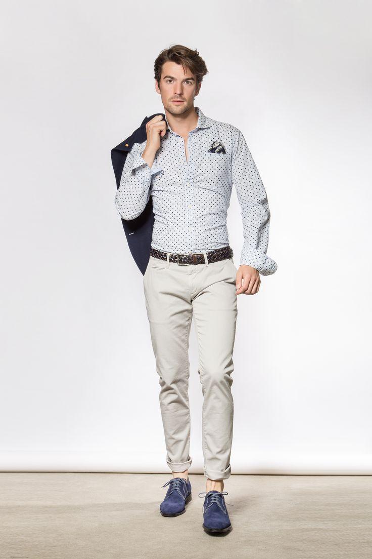 TIENDA y ESTILISMO: Mad & D409 · Camisa: Scotch & Soda ·  Pantalón: Siviglia · Zapatos: Carlo Torrecci  ·  Fotografía: Marc Barnils · Ayudante estilismo: Rosa Olivella ·  Modelo: Jose Bersabe