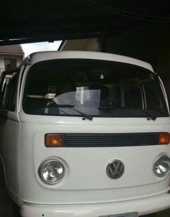 Kombi 2005,  9 passageiros, o que era um sonho virou realidade no dia 22/06/17. Nossa Amy!!!💕🚐