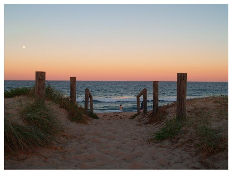 Sunset Moon, Lakes Beach, Budgewoi NSW Aust 2006