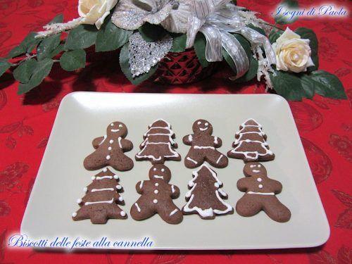 Con un sorriso accogliamo questo periodo natalizio, con tanta voglia di stare insieme con chi vogliamo bene gustando i biscotti delle feste alla cannella.