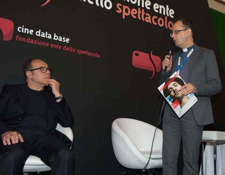 Il Premio Bresson, giunto alla XV edizione va Carlo Verdone, nella foto insieme al presidente della Fondazione Ente dello Spettacolo don Ivan Maffeis