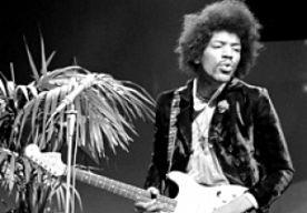 18-Sep-2015 10:29 - 18 SEPTEMBER IN 1970: GITAARLEGENDE JIMI HENDRIX OVERLIJDT. Jimi Hendrix overlijdt op 18 september 1970 in Londen. Een overdosis slaappillen wordt de gitaarlegende fataal. Hendrix is 27 jaar oud geworden. Jimi Hendrix vertrekt in de jaren '60 naar Engeland om daar succes te krijgen als muzikant. Zijn talent wordt snel opgepikt en met debuutsingle 'Hey Joe' scoort hij meteen een grote hit. Met The Jimi Hendrix Experience groeit Hendrix uit tot een rock- en...