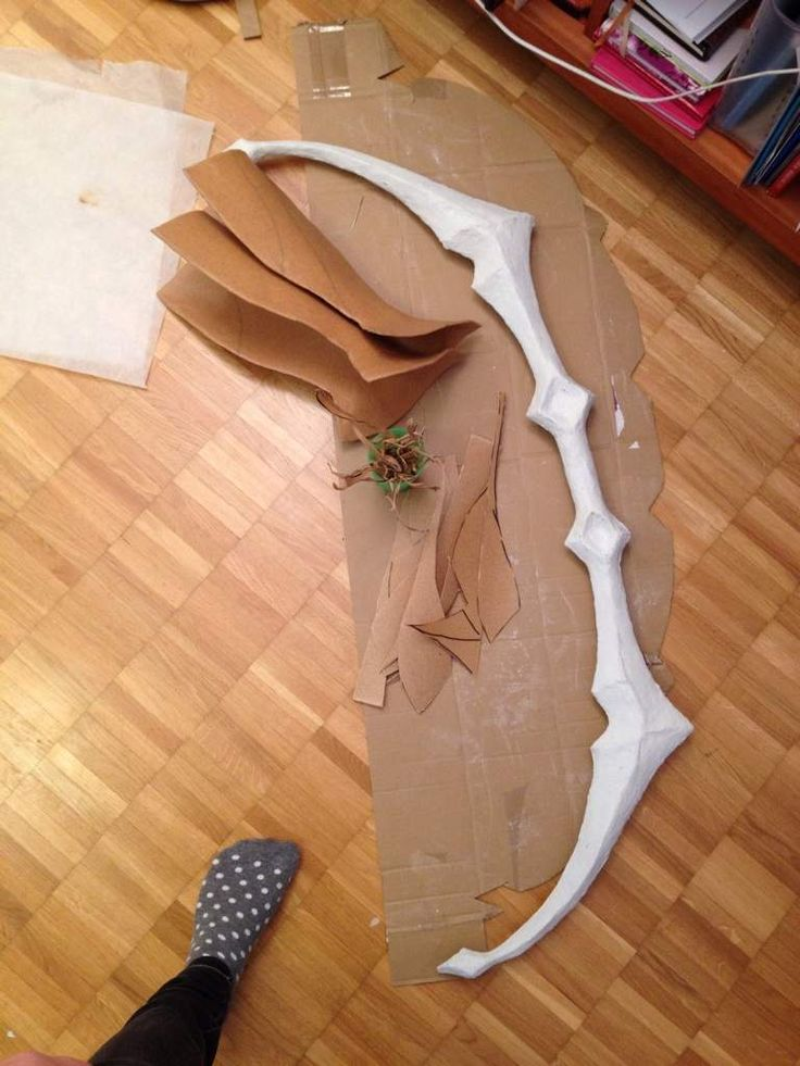 , So, some of my cosplay friends have been asking me if i can show them how i made my bow for Ashe's ...