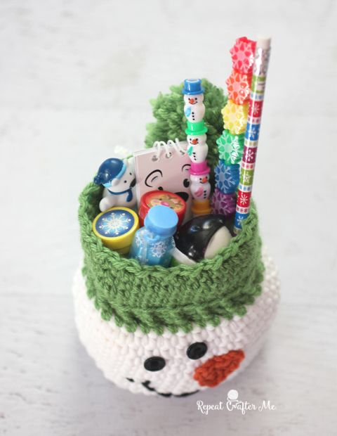 Crochet Snowman Sack with Stocking Stuffers from Oriental Trading – Repeat Craft…