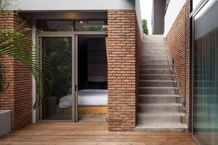 -  Escada Lateral - Tilojo Aparente - Deck de Madeira - Casa Moderna em Bangkok na Tailandia - Two Houses -  Alkhemist Architects - Fotos Peerapat Wimolrungkarat, Ketsiree Wongwan