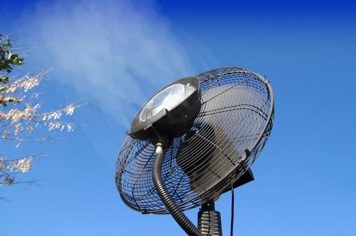 Brumisateur ventilateur professionnel haute performance 1,8 m - O'FRESH ® http://deco-maison-fr.com/article/1163/brumisateur-ventilateur-professionnel-haute-performance-1-8-m-o-fresh#