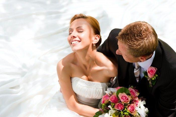 Цитаты о замужестве и браке. Удачно женившийся человек получает крылья, неудачно — кандалы. Г. Бичер