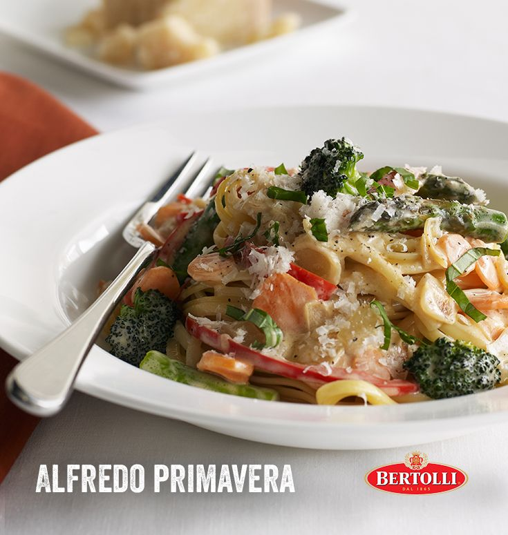 It's springtime and that means there's no better season to enjoy this delicious Alfredo Primavera recipe. A jar of Bertolli® Alfredo sauce makes it possible (and absolutely delicious). Get the recipe on the Bertolli website.