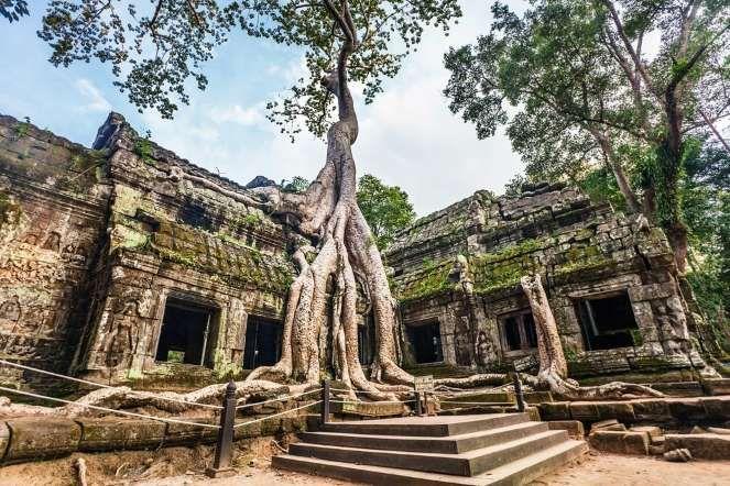 Еще одна тайна Ангкора: в храмовом ансамбле комплекса можно найти храмы, которые относятся как к буд... - Shutterstock.com