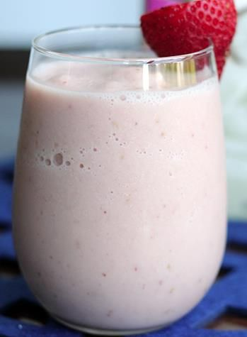 Get Your Drink On With Skinny Mom Approved Smoothies!