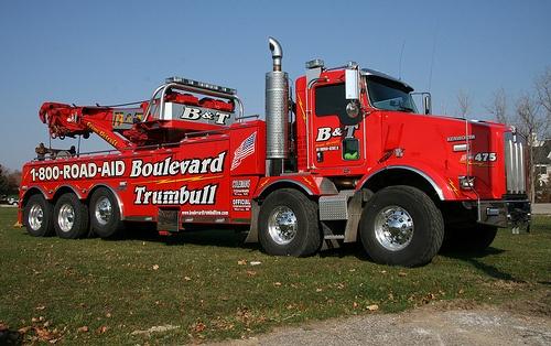 Kenworth Tow Truck by RickM2007, via Flickr