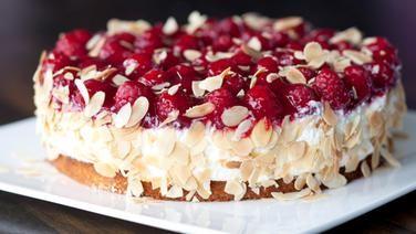 Käse-Sahne-Torte mit Himbeeren auch für Backanfänger geeignet- die Mühe lohnt!! ;))