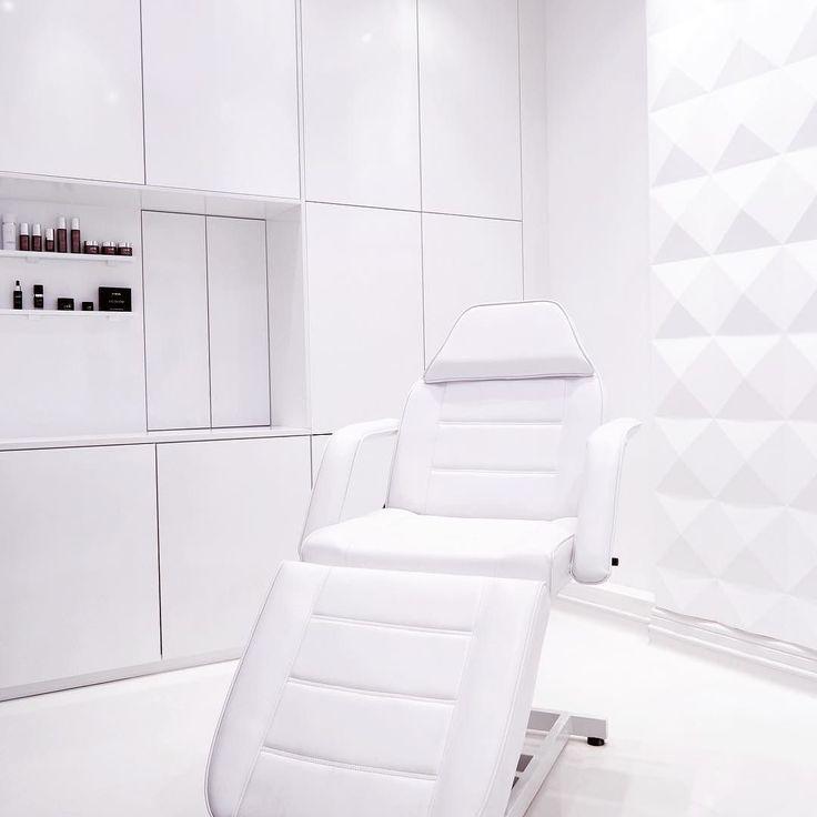 #111 #beuaty #clinique #hurleystreet #london #white #design #2kulproject #interiordesign #project