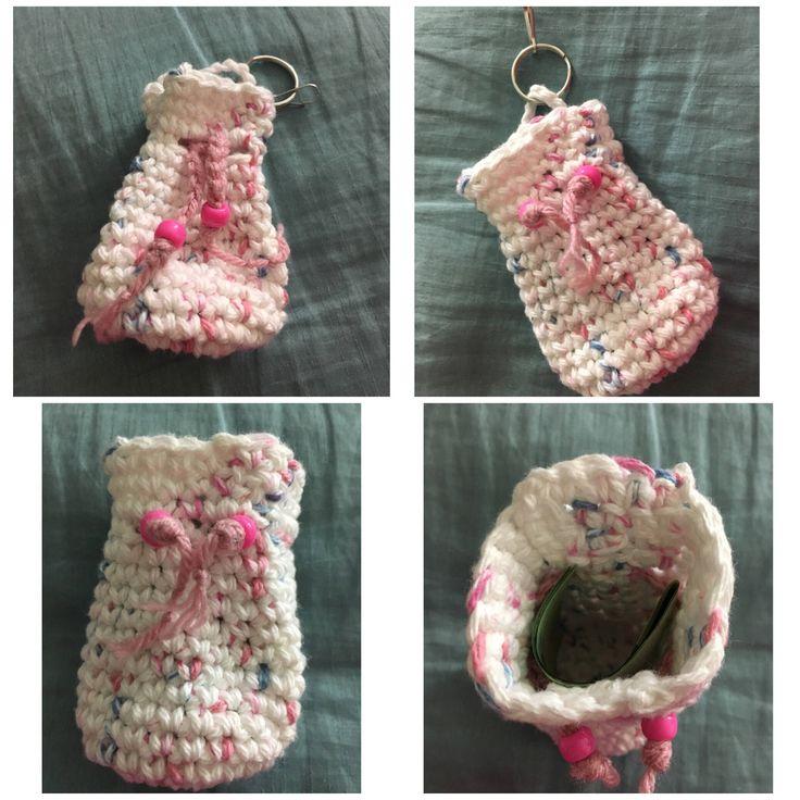 Latest addition to my #etsy shop: Mini tote bag keychain #pursecharm #zipperpull #minitotebag #coinpurse #keychain #crochet