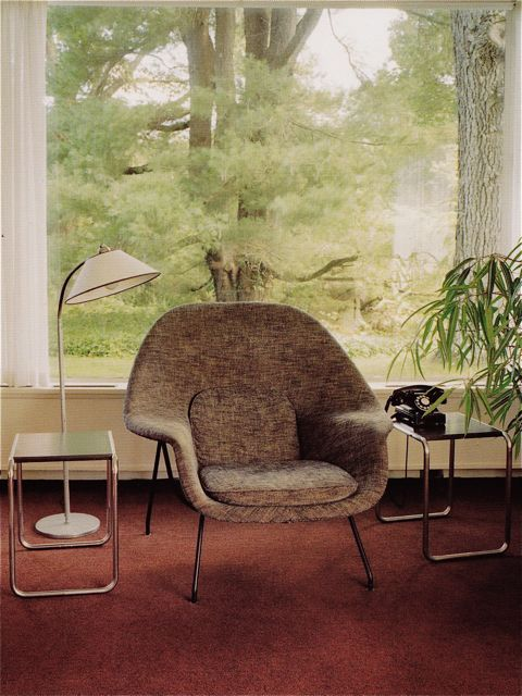 womb chair. favorite chair. of all time. hands down.