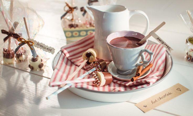 Trinkschokolade am Stiel Rezept: Heiße Schokolade zum Verschenken - Eins von 7.000 leckeren, gelingsicheren Rezepten von Dr. Oetker!