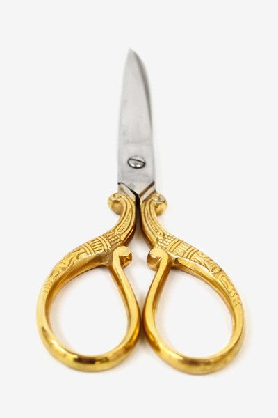 Let the beauty of these scissors inspire you! They feature gold plated handles adorned with antique style floral designs and silver blades engraved with the Moorea Seal Logo. Use them for craft projec