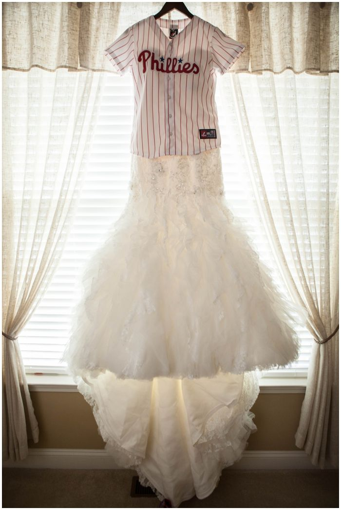 Jen and Nino: Married | Citizens Bank Park Wedding | Baseball Themed Wedding » Kaitlin Noel Photography Blog