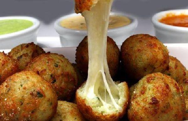 O Bolinho de Arroz Assado Recheado com Queijo é uma opção prática, deliciosa e…