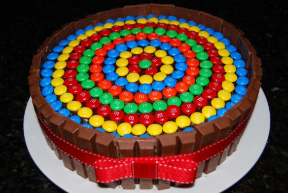 Schuylers Birthday cake. Kitkats are his favorite. I am going to fill the top with mini Rolo's though. He is going to LOVE it