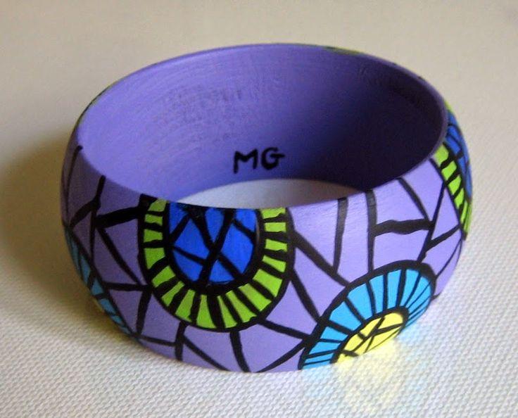 MENCHU GAMERO: Pulseras-brazaletes de madera pintada a mano con m...