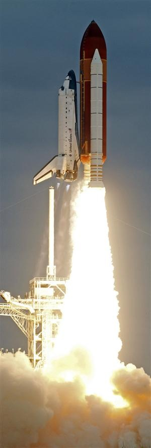 Space Shuttle Launch, saw one in September 1995 in Florida. Is one if the most amazing things I've ever seen.