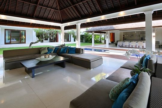 Villa Asante - Living area view to pool - Canggu