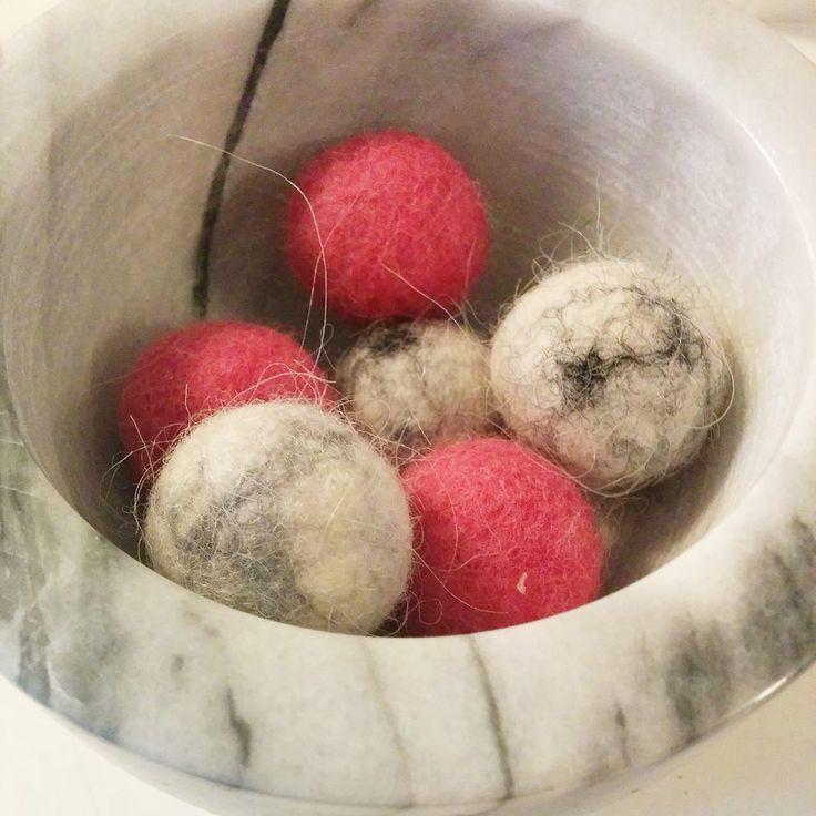 Marble hand felted wool balls.  #wool #felt #marble #minimal #trendy #homedecor #decor