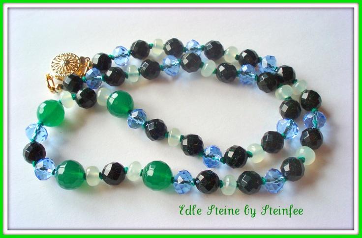 Herrlicher Grünfluss mit winzigen Goldpünktchen (wie Blaufluss nur grün)zartgrüne Jade wunderschöner facetierter grüner Achat und blaue Kristalle h...