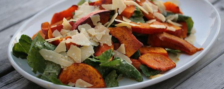 La salade de citrouille rôtie, fanes de navet et graines de courge | MUNCHIES