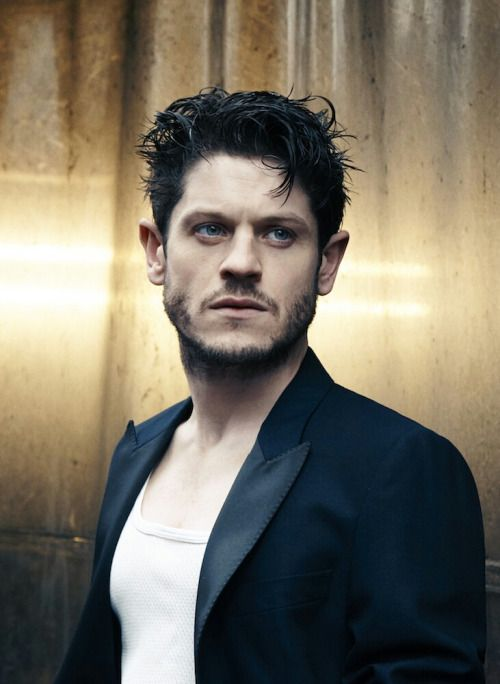 Although I hate Ramsay Bolton, I love the actor who plays him...Iwan Rheon