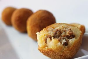 Papitas Rellenas | Meat Stuffed Potato Croquettes » Recipes and Foods from Peru