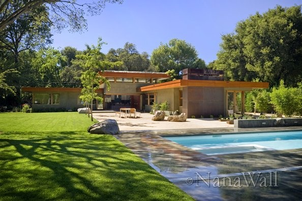 Love the flat roof style home. It will look great in Central Oregon. And the pool is a must. I miss having a pool.